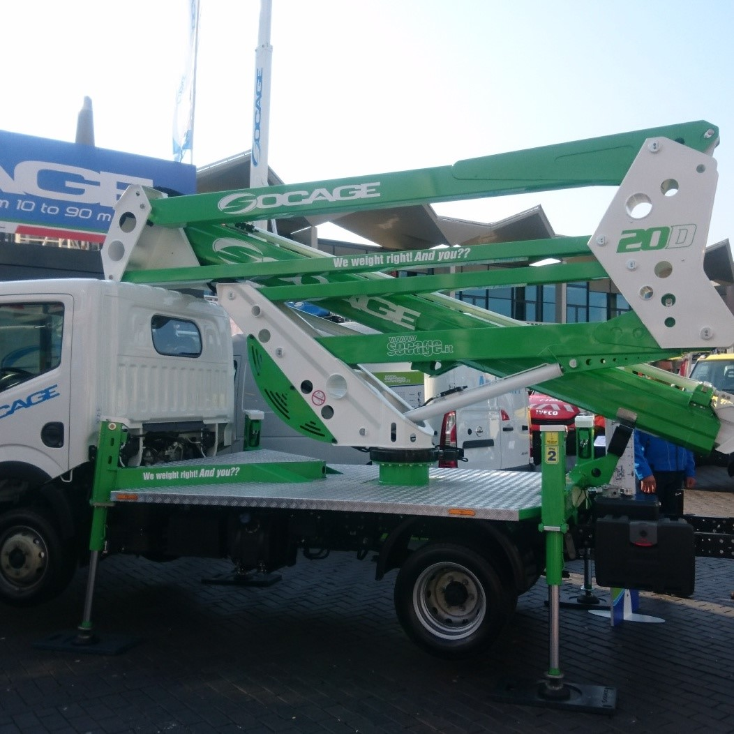 20M Truck mount articulated boom Image