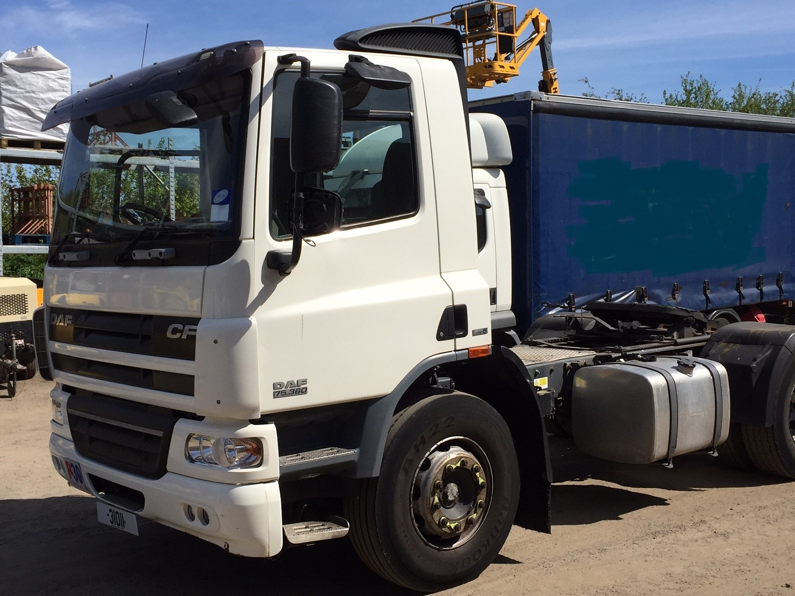 DAF CF75 Artic Unit Image 1