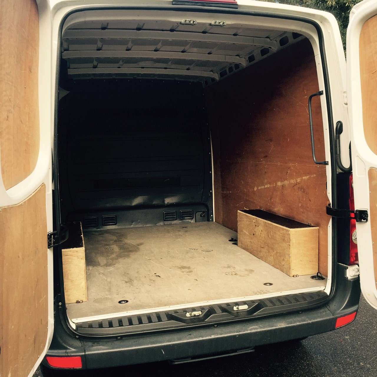 2014 VW Crafter  CR30 SWB van Image 2