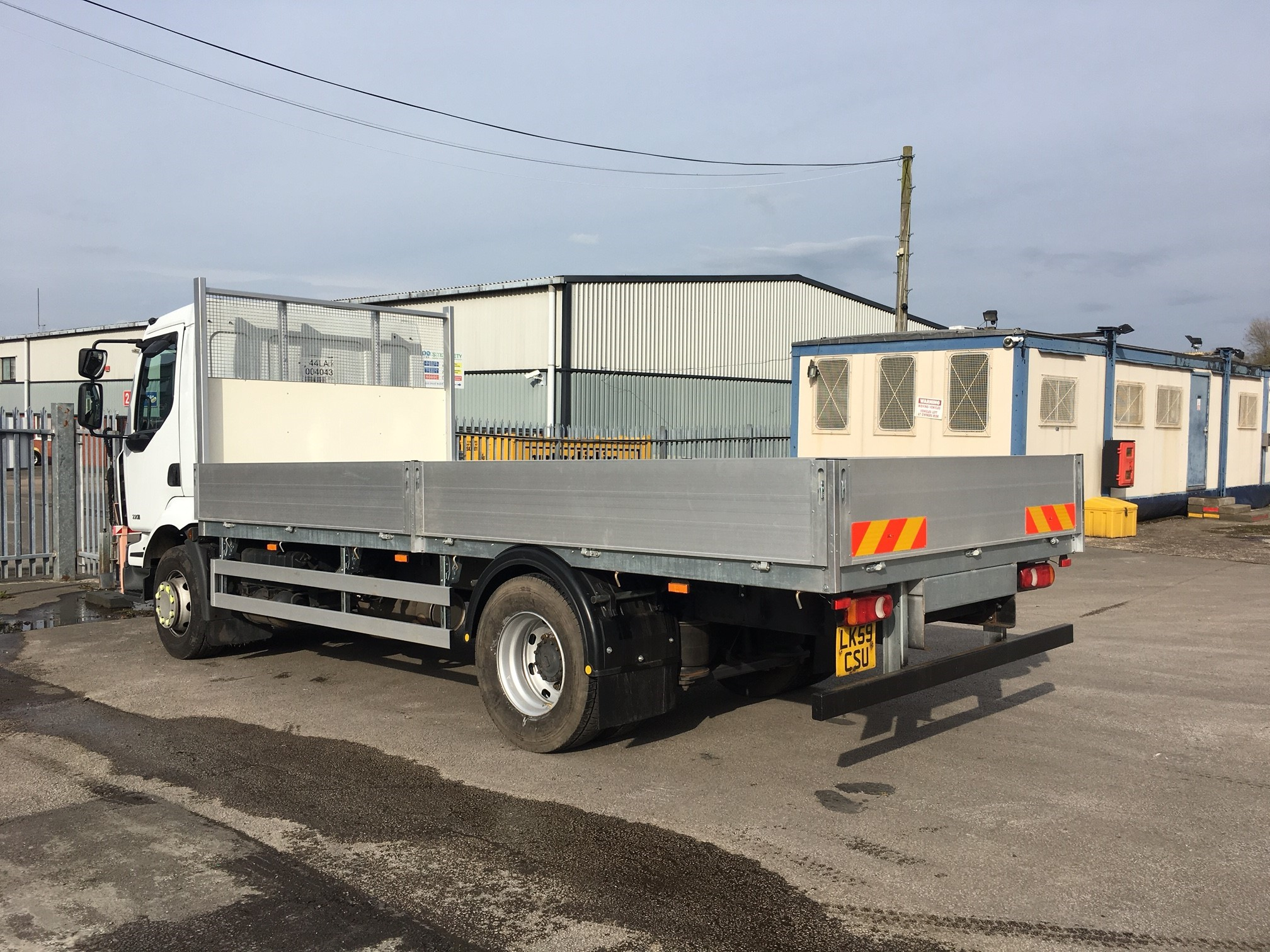 2009 Renault D16 220 18ft Scaffold body Image 2