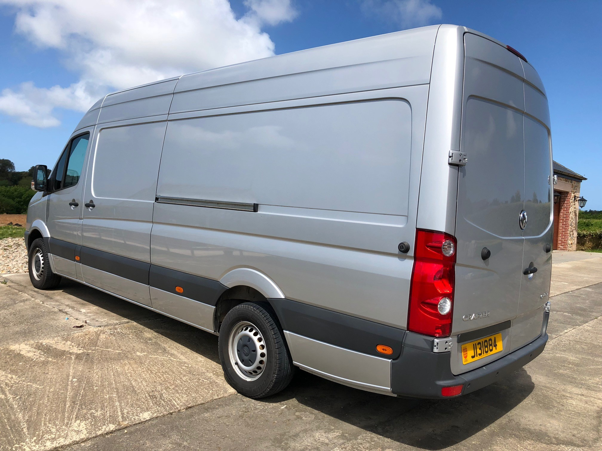 2015 VW Crafter CR35 LWB - Only 3600 miles Image 3