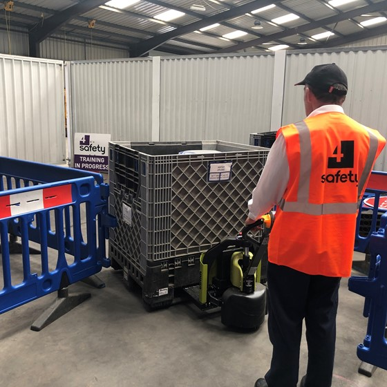 Order Pickers / Rider Pallet Stackers Image