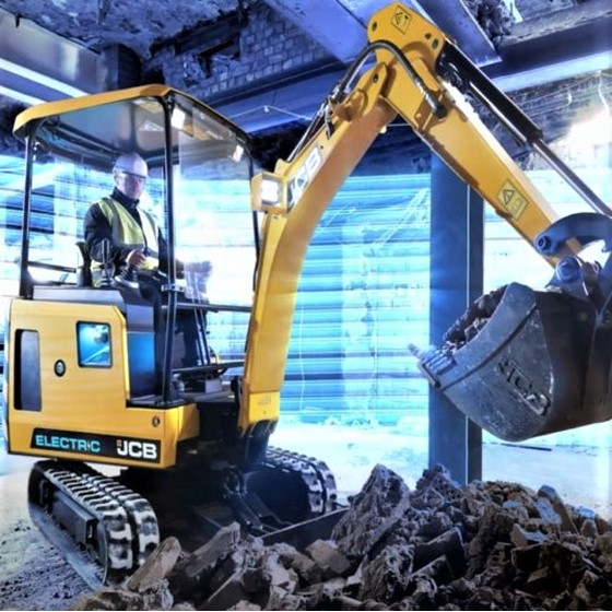 1.9 Tonne electric powered excavator Image 1