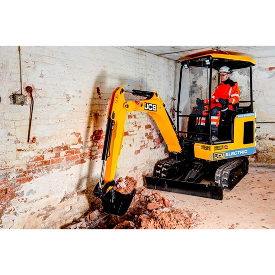 1.9 Tonne electric powered excavator Image 4